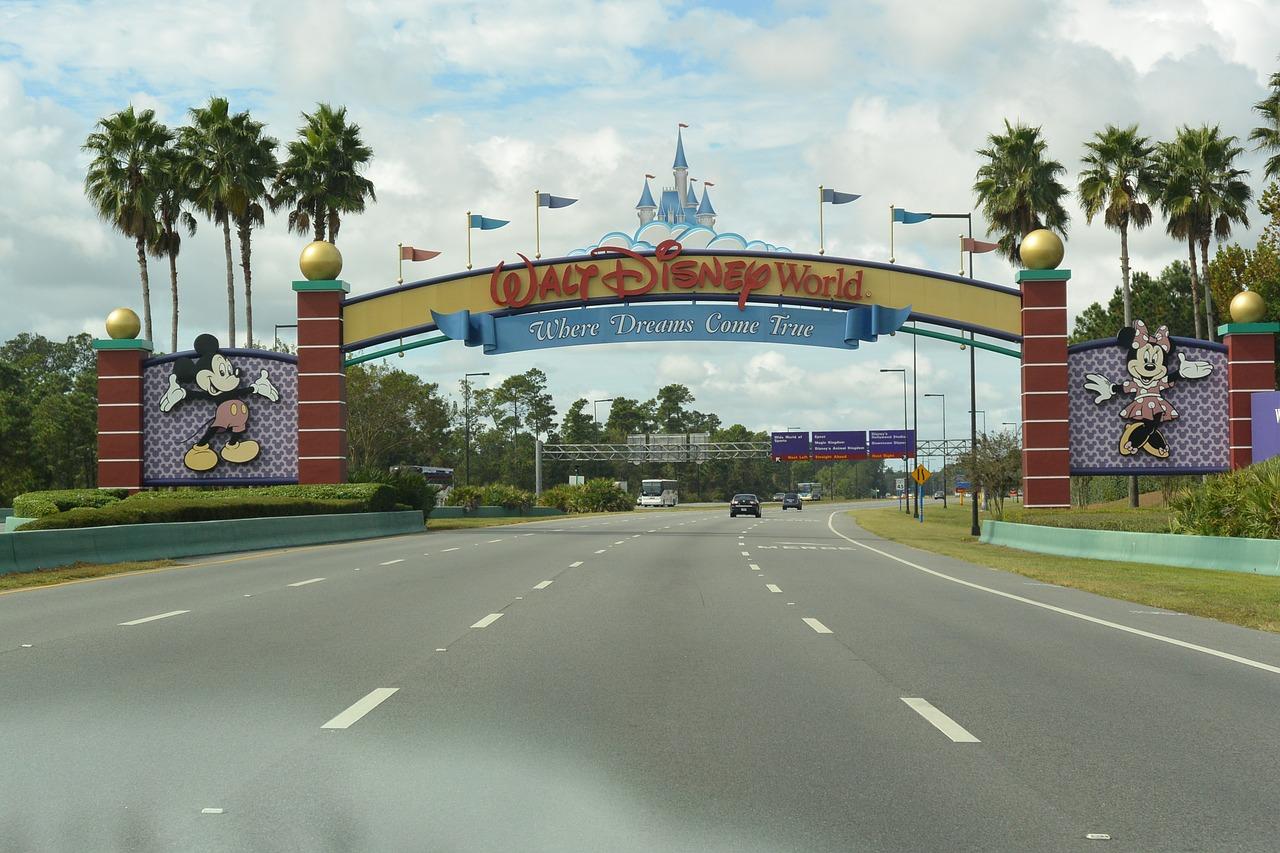 ¡Ya podrás tomarte fotos en Disney sin mascarilla! Mira las condiciones