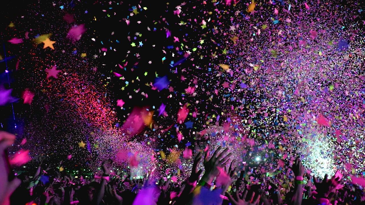 Controversia sobre porsibles contagios durante masivo festival de música en Rosarito
