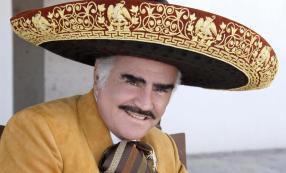 Vicente Fernández no saldrá del hospital pronto según Cuquita Abarca
